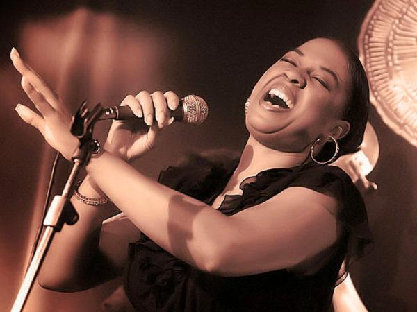 Joyce Yuille canta il Natale